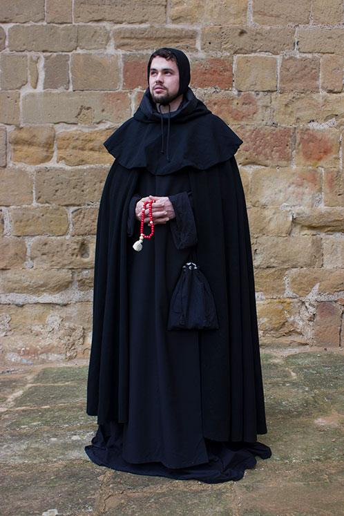 Monje benedictino indumentaria medieval