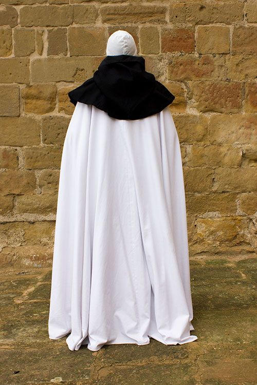 Monje cisterciense indumentaria medieval
