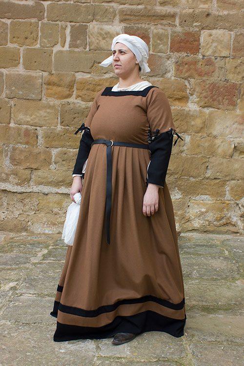 vestido medieval siglo XVI